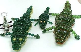 Бисероплетение крокодил - Делаем фенечки своими руками.